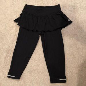 Black skirt with leggings